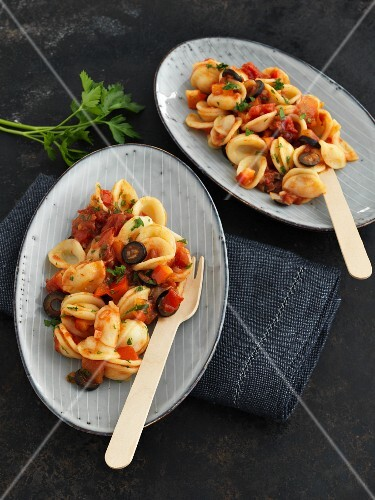 Orecchiette with tomatoes and olives
