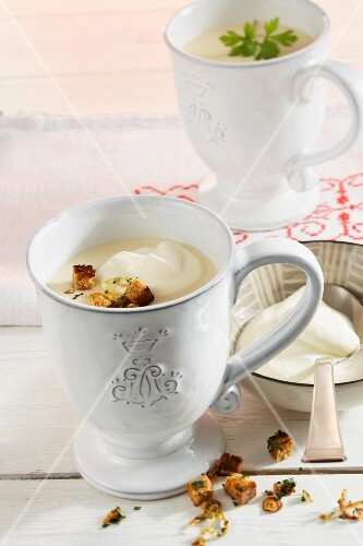 Styrian horseradish soup with croutons