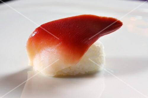A hokkigai: nigiri sushi with a clam