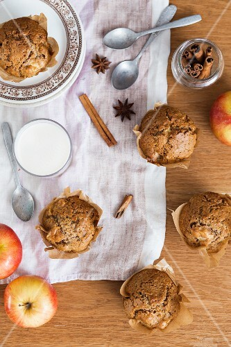 Apple and cinnamon muffins and a glass of milk