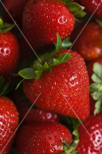 Fresh strawberries (full-frame)