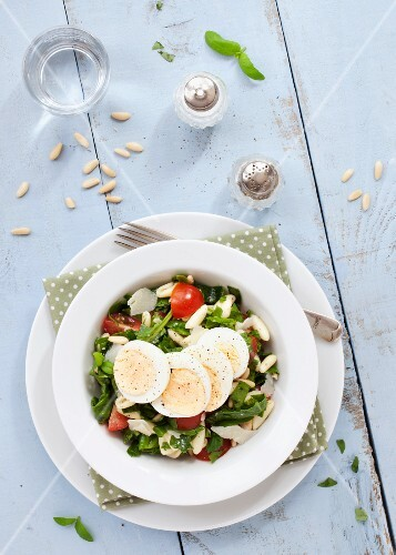 Pasta salad with egg florentines