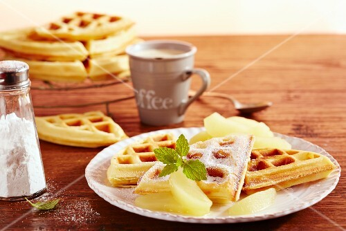 Quark waffles with apple compote