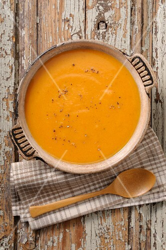 Pumpkin soup with pepper