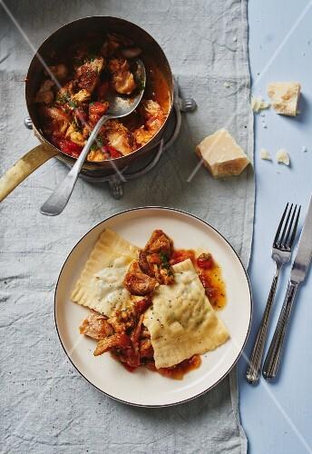 Mushrooms Swabian ravioli with chicken ragout