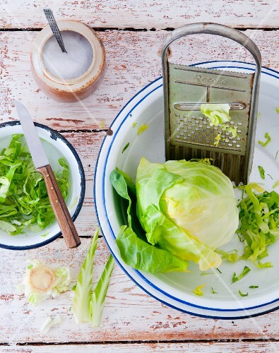 Pointed cabbage, partially grated, with a grater
