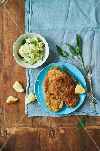 Veal escalope with potato salad