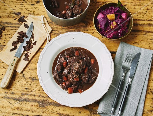 Wild boar goulash with a red cabbage medley