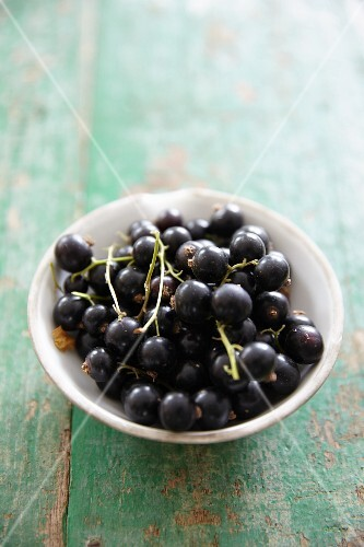 A bowl of blackcurrants