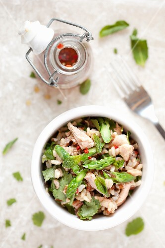 Wild rice salad with salmon, asparagus and a chilli dressing