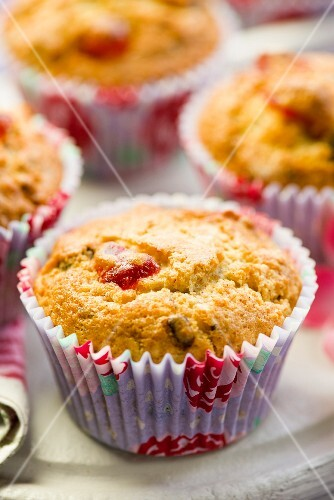 Cherry muffins with chocolate chips (close-up)