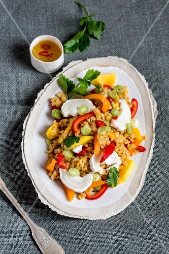 Lentil salad with goat's cheese and peppers