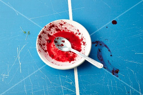 An empty bowl with leftover beetroot