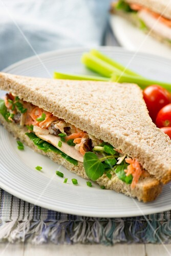 Turkey sandwich with coleslaw