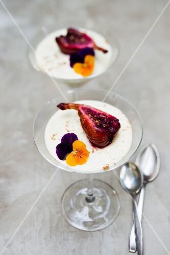 Cinnamon yoghurt with red wine figs