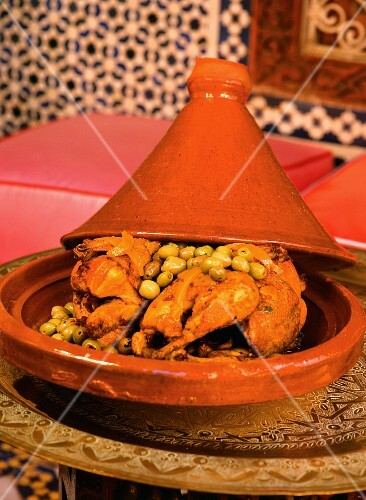 Chicken tagine with green olives