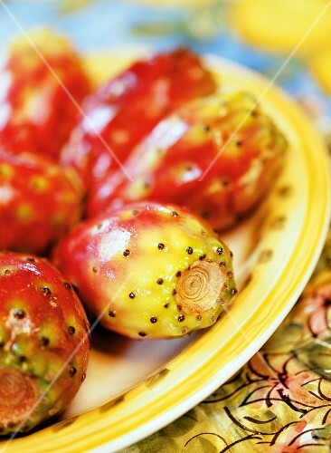 Fresh prickly pears