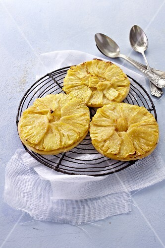 Pineapple tartlets on a wire rack