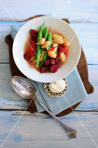Vegetable soup with a duo of beans