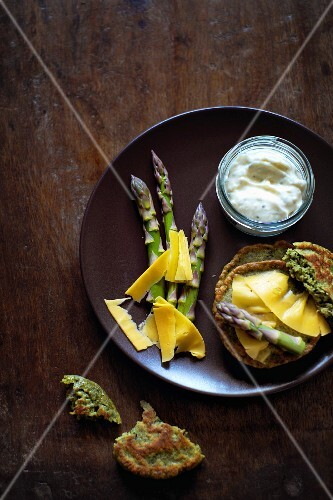 Asparagus blinis with Cheddar cheese