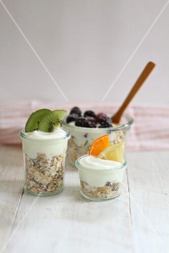Muesli with yoghurt and fresh fruit
