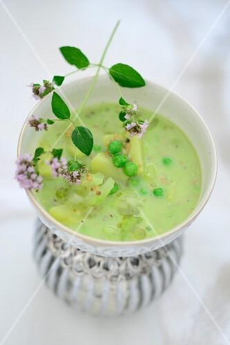 Potato soup with peas