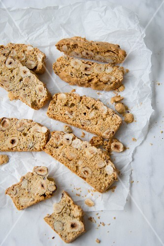 Biscotti with hazelnuts