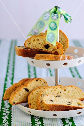 Stollen, sliced, on a cake stand