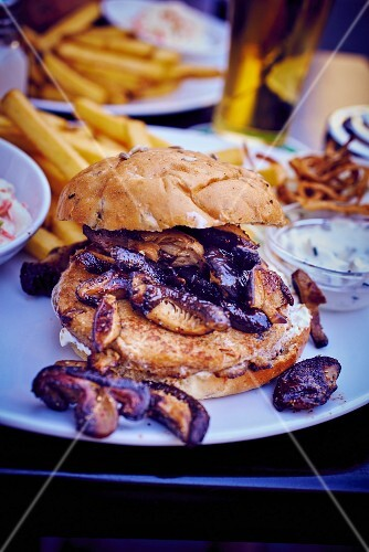 Vegetable burger with shiitake mushrooms and button mushrooms
