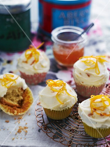 Cupcakes with buttercream and orange zest