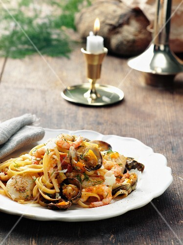 Seafood with pasta