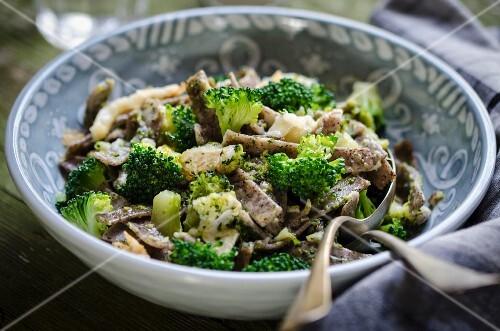 Pizzoccheri ai broccoletti (buckwheat pasta with broccoli, Italy)