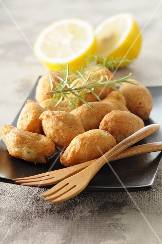 Cod beignets with lemon