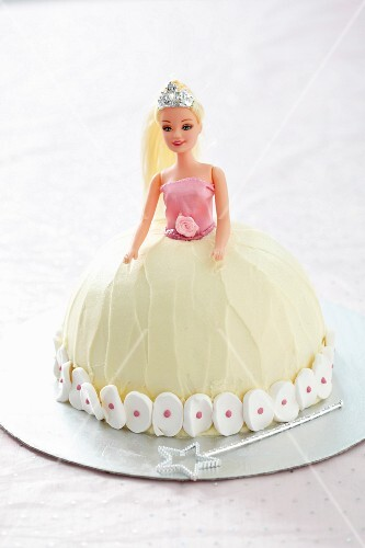 A Barbie cake for a fairy party