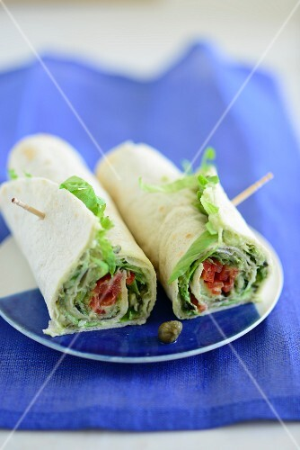 Lettuce and tomato wraps