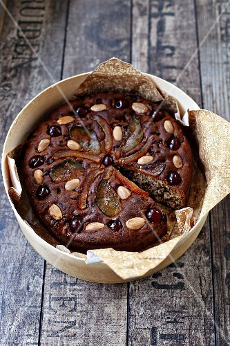 Zelten (fruit bread from South Tyrol with nuts, almonds and candied fruits)