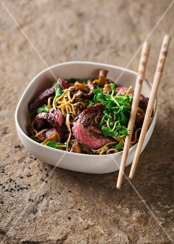 Mie noodles with beefsteak (Asia)