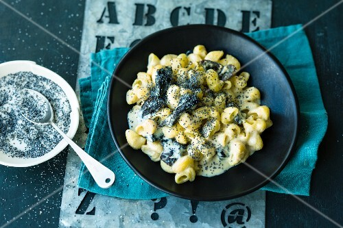 Sweet pasta with plums and poppy seeds