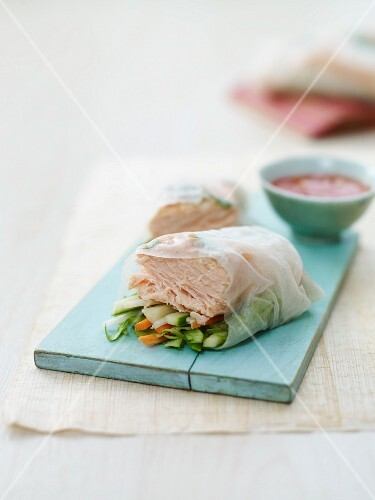 Rice paper rolls filled with salmon (Asia)