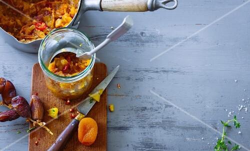 Orange and date chutney