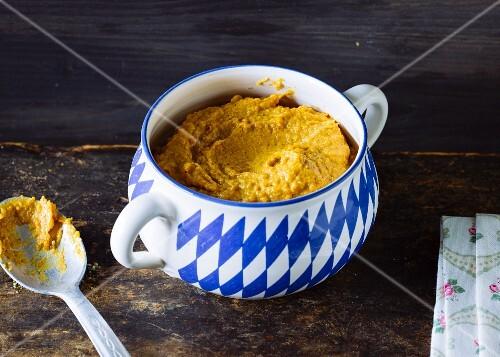 Homemade sweet mustard