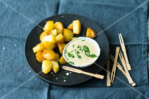 Patatas aioli (potatoes with a garlic dip, Spain)