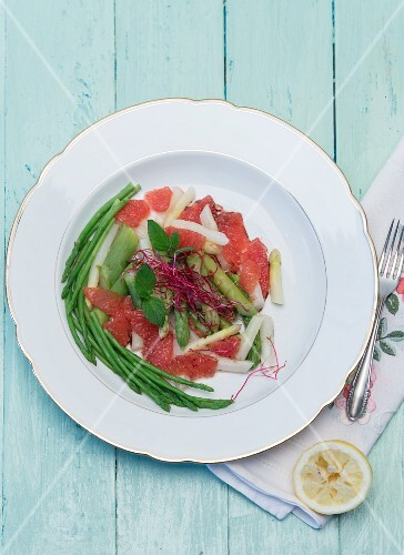 Asparagus salad with grapefruit, fresh mint, beetroot sprouts and lemon