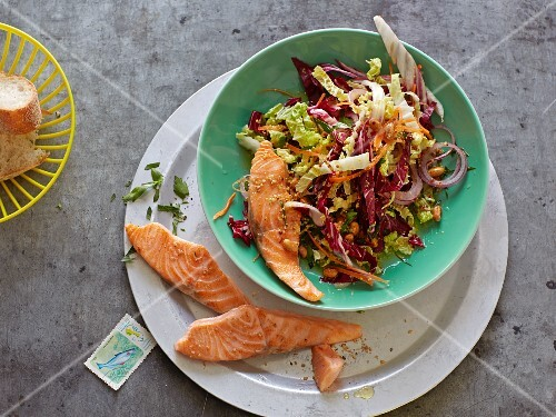 Salmon on a Chinese cabbage and radicchio salad
