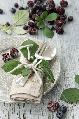 Blackberry place setting decoration