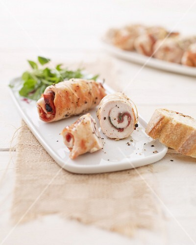 Chicken involtini with ham and sage