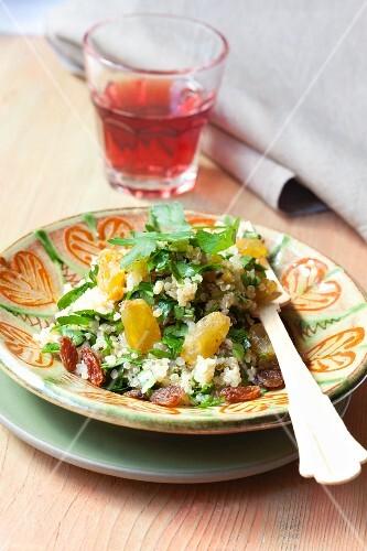Quinoa with raisins and parsley