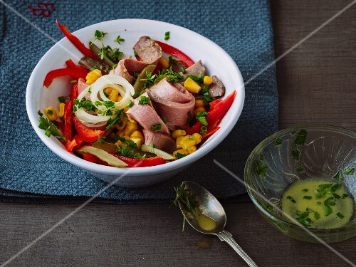 Beef salad with sweetcorn and peppers