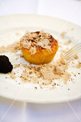 Tortino di patate con tartufo nero (potato cake with black truffles, Italy)