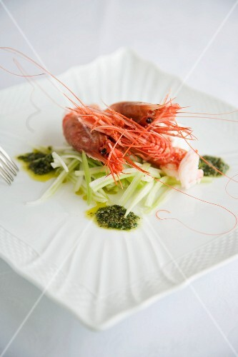 Insalatina di sedano con gamberi rossi (celery salad with prawns, Italy)